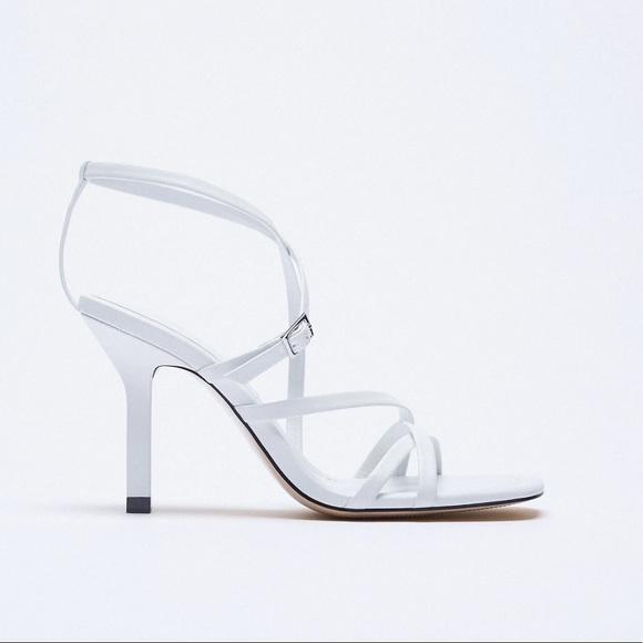 NWT. Zara White Heeled Sandals. Size 6.5